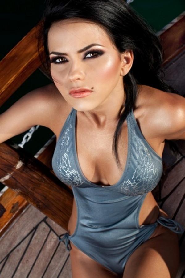 آلبوم عکس سکسی ترین خوانندگان زن ۲۰۱۲